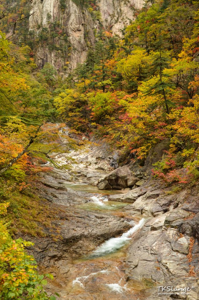 Beautiful scenery in the Cheonbuldong Valley.
