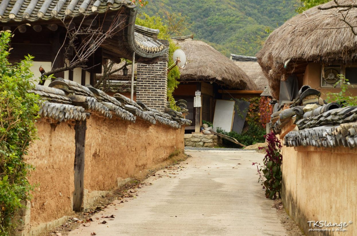 The quiet streets of Hahoe Folk Village.