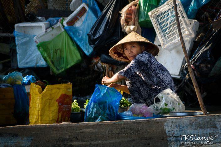 Vietnamese market lady
