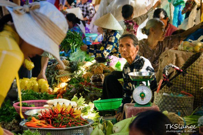 Vietnamese market lady II